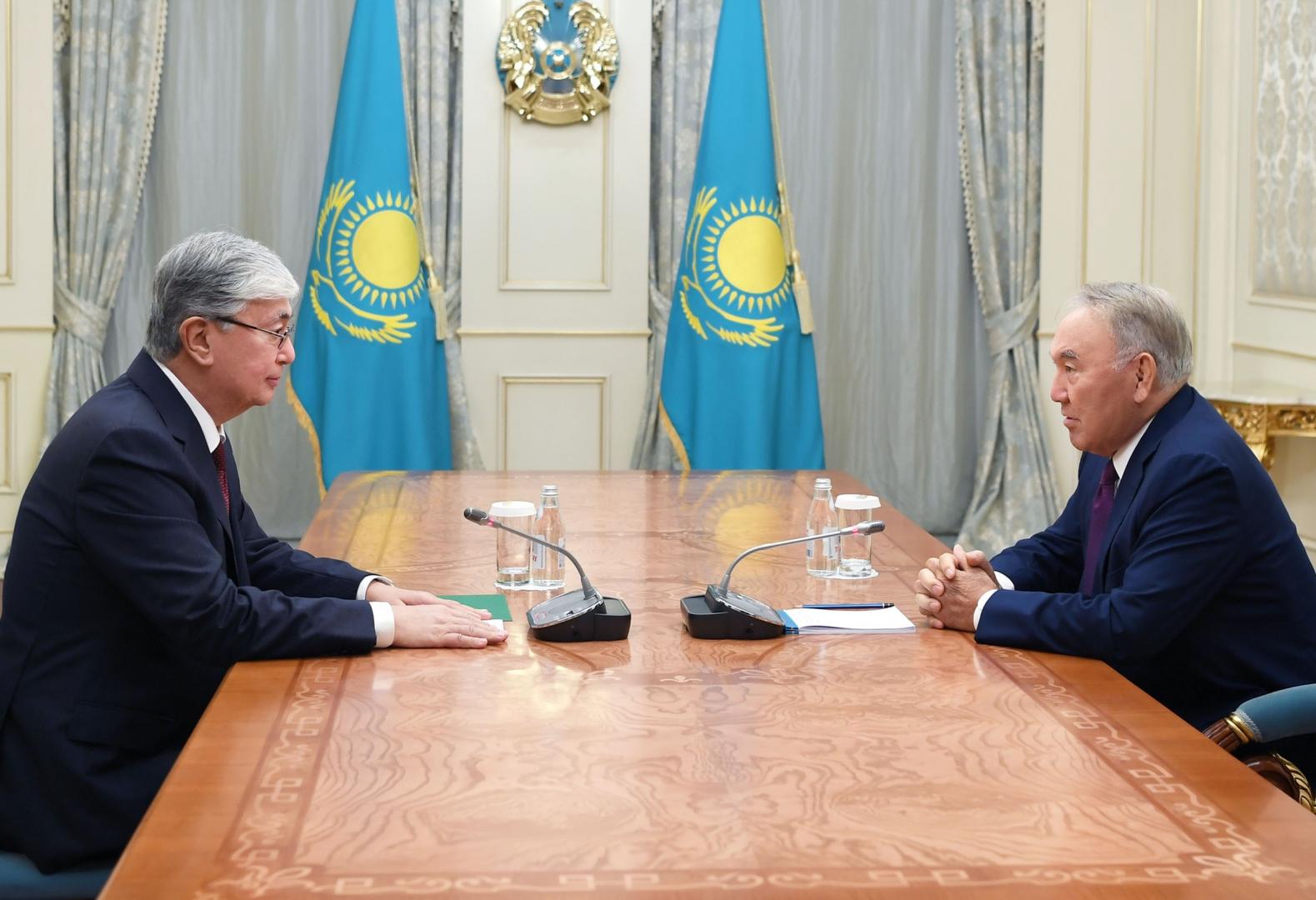 Как распределяли власть в Казахстане