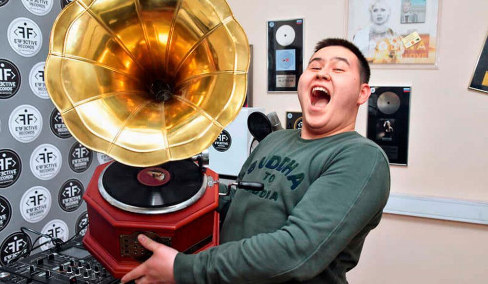 Imanbek посоветовал электронным музыкантам не сильно надеяться на государство