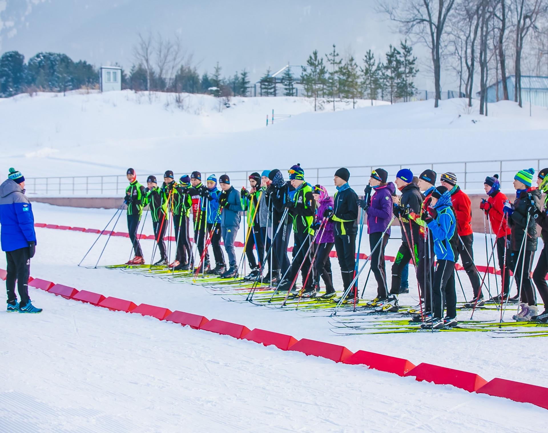 Юрий Каминский провёл мастер-класс для юных лыжников РК