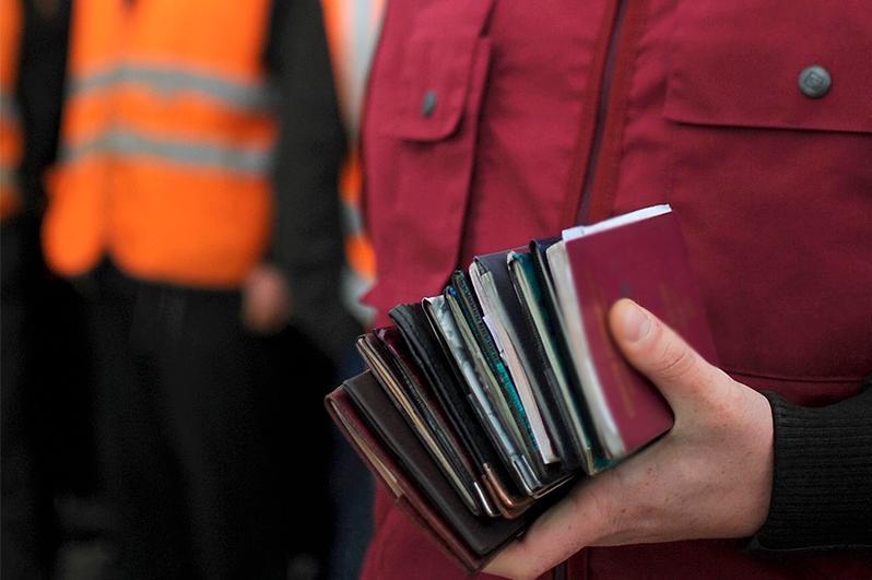 Более 16 000 иностранцев работают в Казахстане