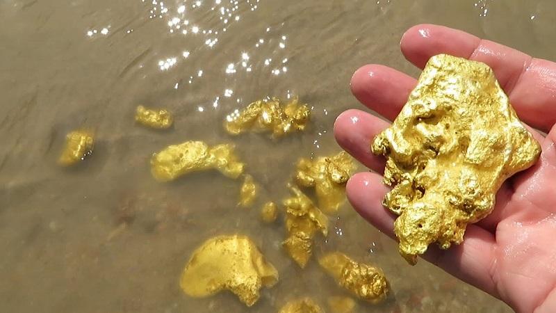 Стоимость золота упала ниже $1400 за унцию