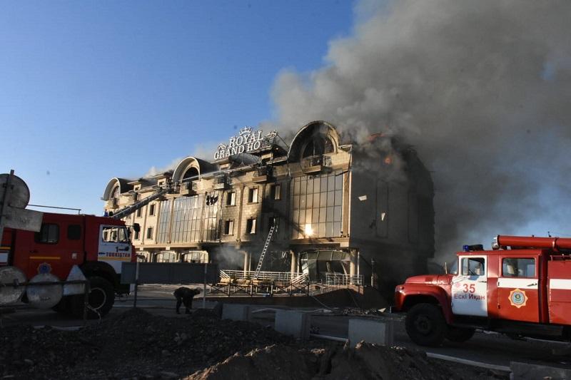 Пожар в Туркестане: пострадавших спасателей наградят