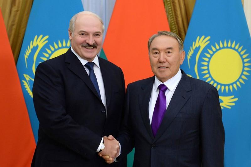 Нурсултан Назарбаев и Александр Лукашенко выразили уверенность в укреплении отношений