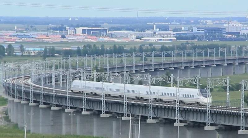 Пассажиропоток самой длинной высокоскоростной железной дороги в Китая превысил 14 млн человек