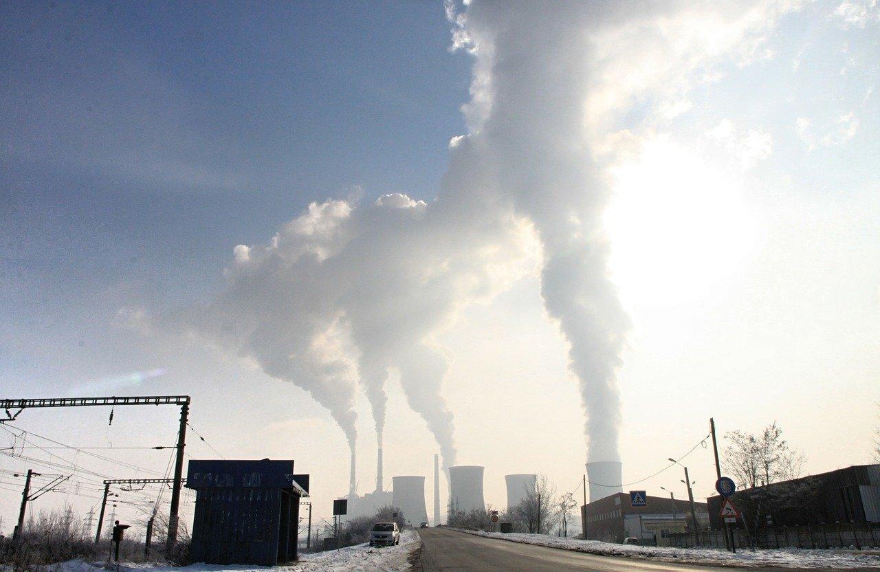 В 2020 году выбросы СО2 в атмосферу составили 40 гигатонн
