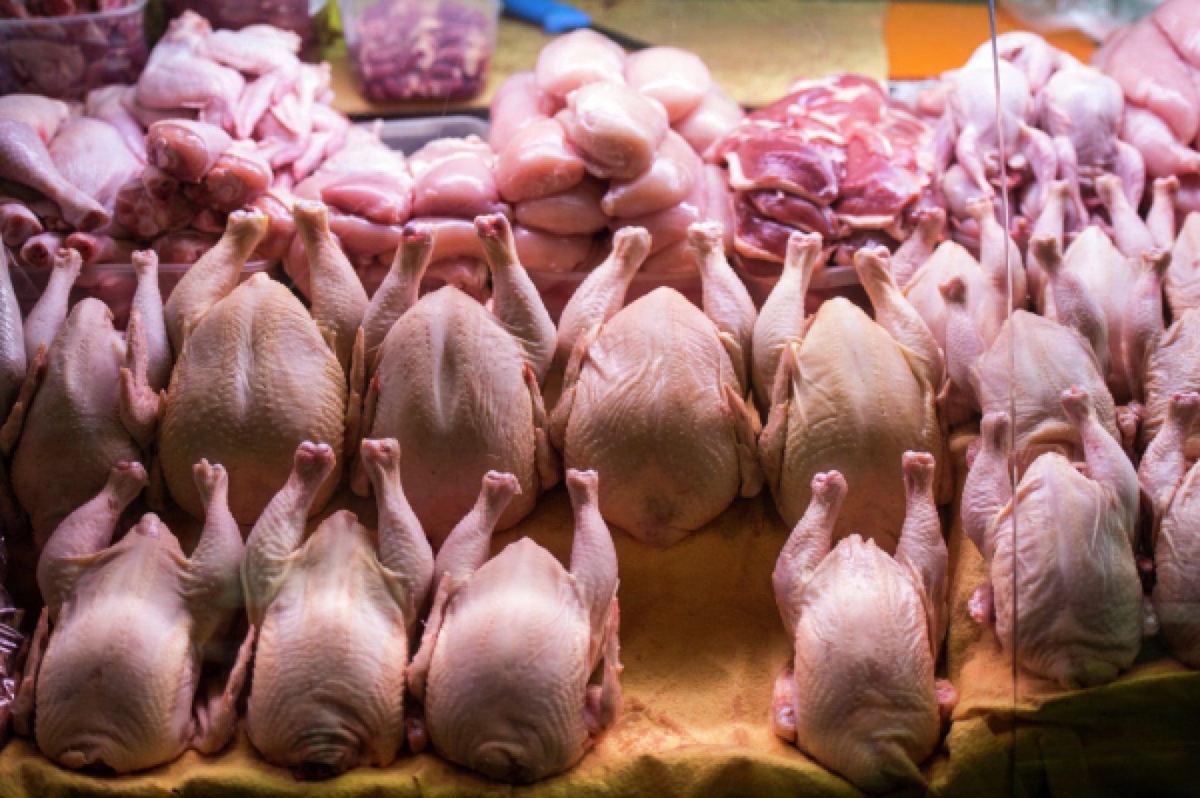 Казахстан снял запрет на ввоз мяса птицы из трех регионов России