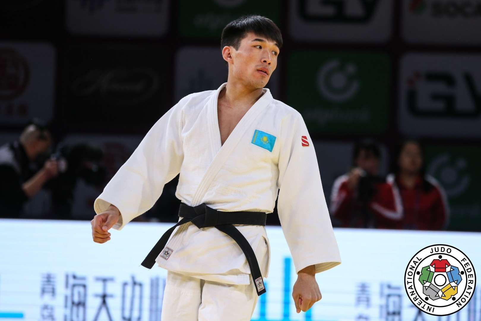 Гусман Кыргызбаев выбыл из борьбы за медаль