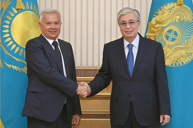 Президенту РК рассказали о работе завода «ЛУКОЙЛ»