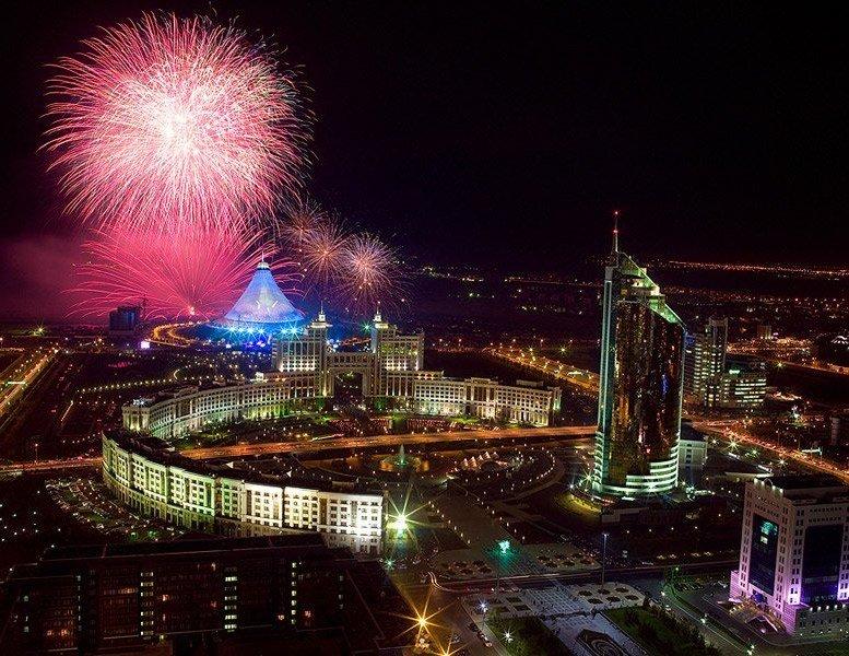 В декабре казахстанцы отдохнут 13 дней