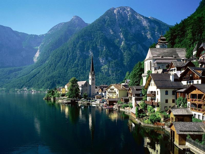 Австрия готовится к летнему туристическому сезону