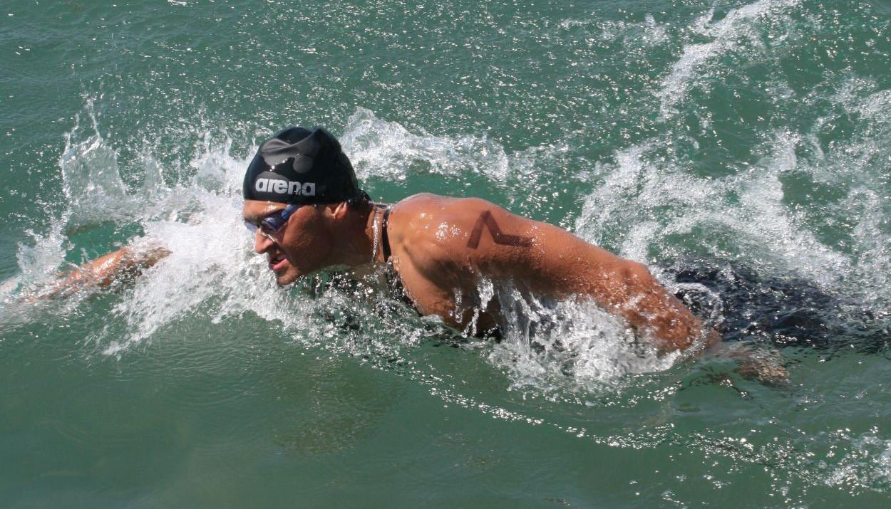Казахстанец завоевал золото на чемпионате Азии по плаванию на открытой воде