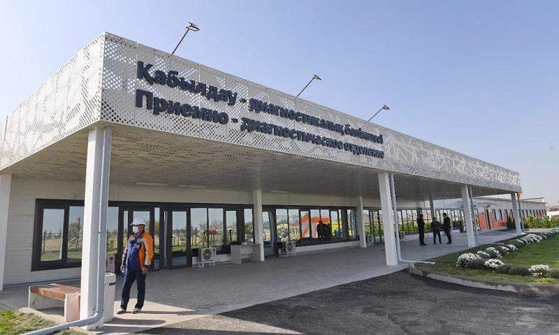 Б. Сагинтаев открыл новый модульный инфекционный госпиталь