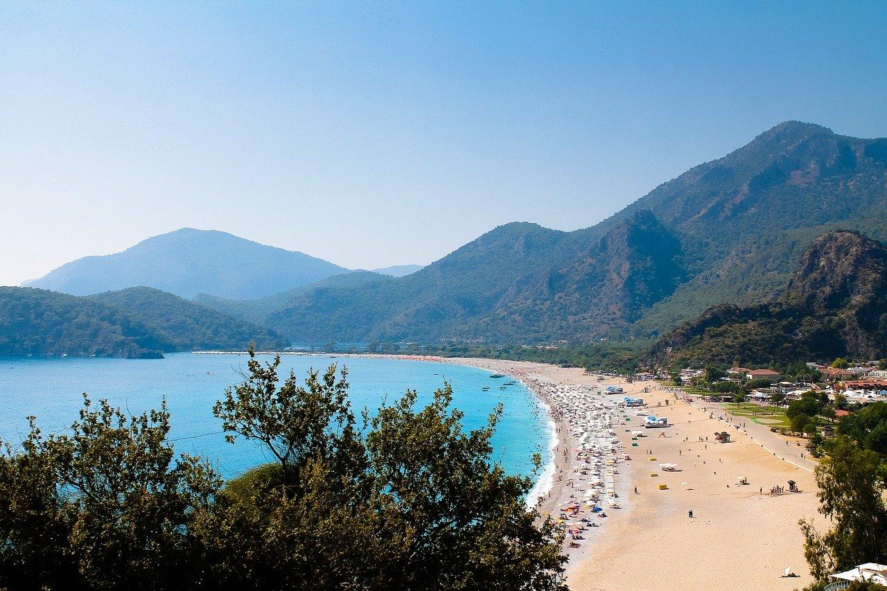 Свыше 98 тысяч казахстанцев отдыхали в этом году на курортах Турции