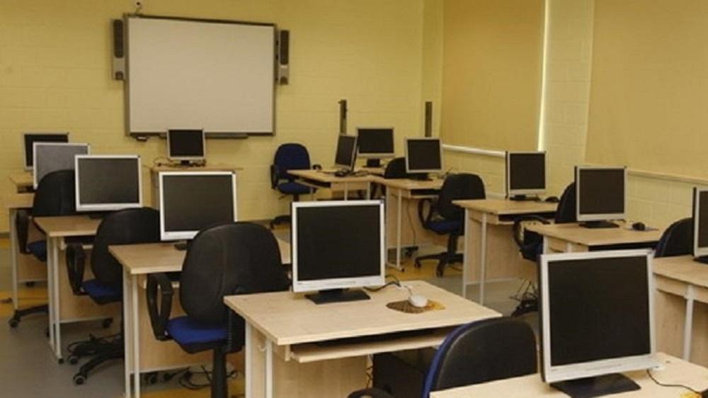 В Атырауской области более 15 000 учеников передадут в пользование школьные компьютеры