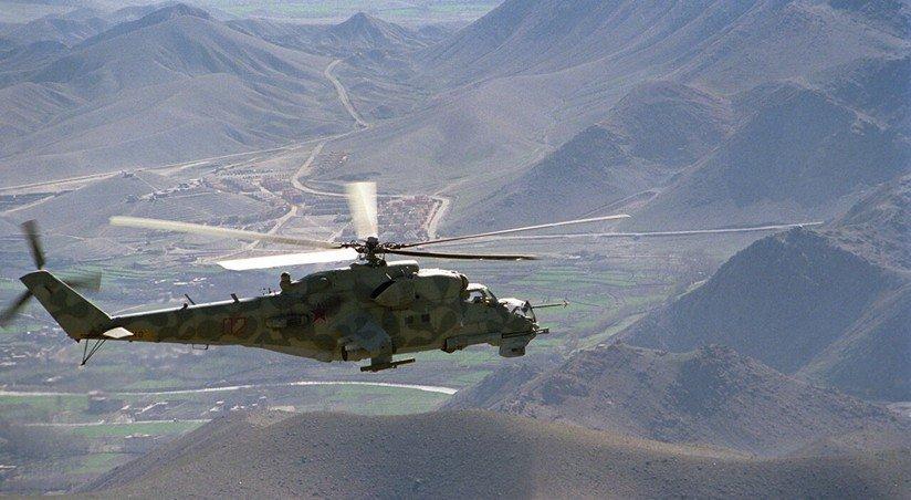 Жертвами крушения военного вертолета в Пакистане стали четыре человека