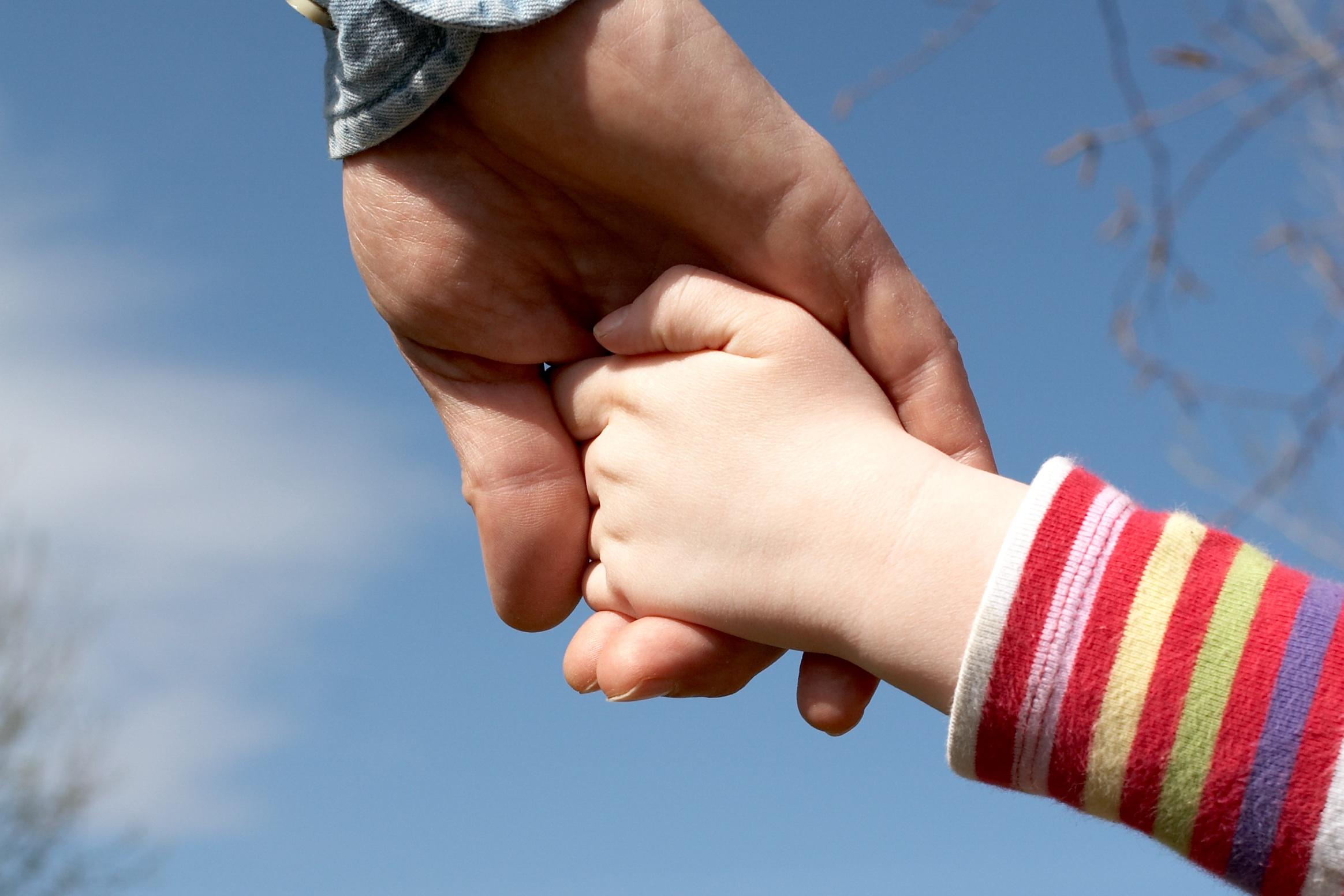 В Казахстане могут создать негосударственное национальное агентство по усыновлению
