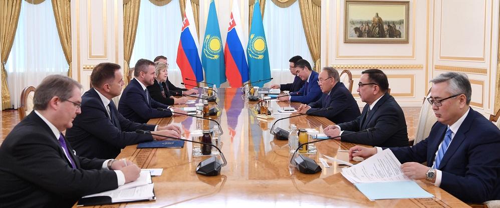 Нурсултан Назарбаев встретился с премьер-министром Словацкой Республики