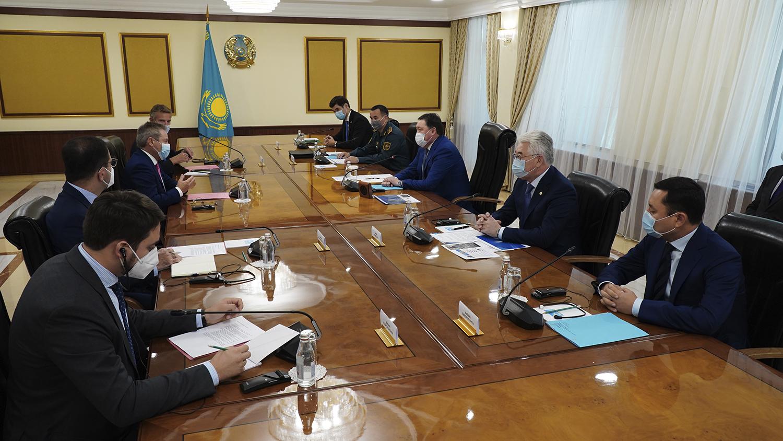 Аскар Мамин обсудил с руководством Airbus реализацию совместных проектов в Казахстане