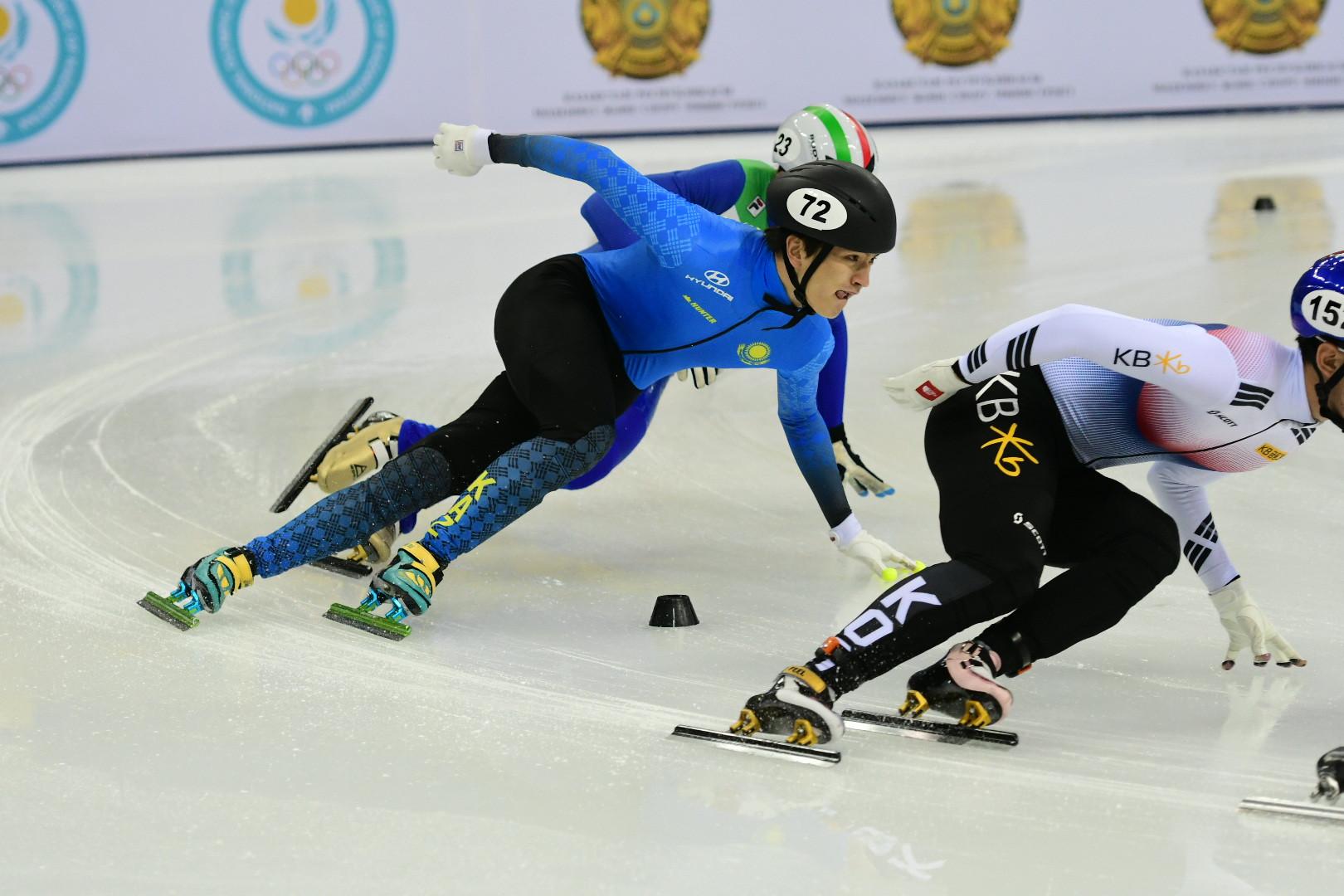 Этап Кубка мира по шорт-треку в Алматы: казахстанские спортсмены в полуфинале