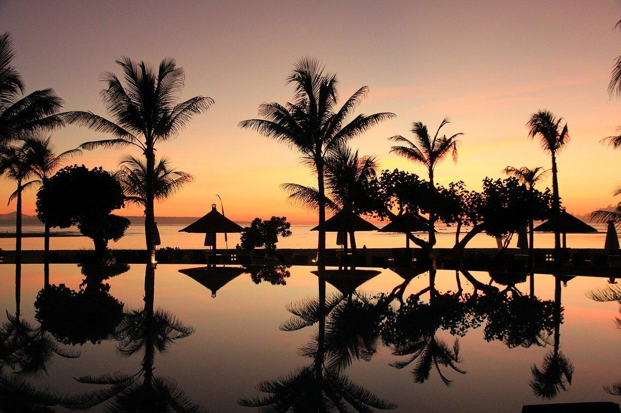 Индонезия отложила открытие острова Бали для иностранных туристов