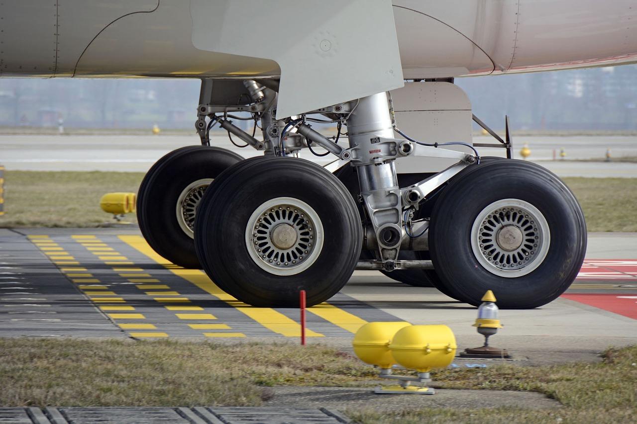 Костанайский аэропорт продавал авиатопливо по завышенной цене в течение года