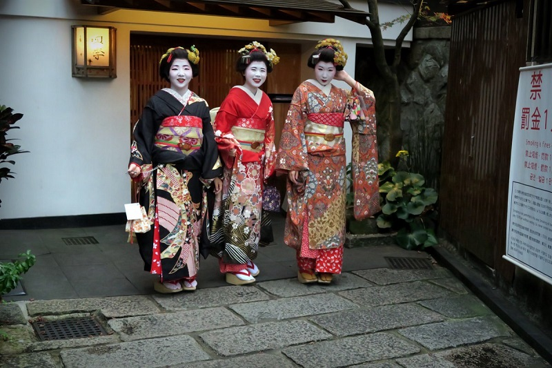 Японских женщин ждет бедная старость
