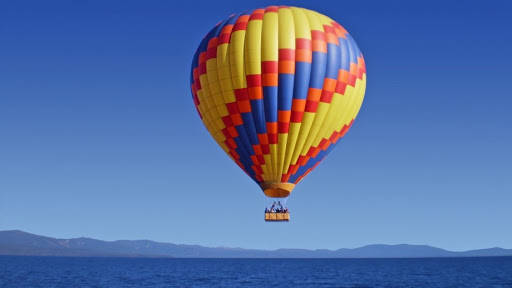 В Шымкенте воздушный шар оборвал электропровода