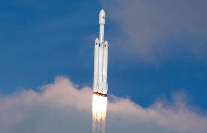 Пентагон планирует использовать ракеты SpaceX для срочной переброски грузов по планете через космос