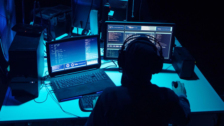 Хакеры взломали десятки аккаунтов электронной почты минфина США