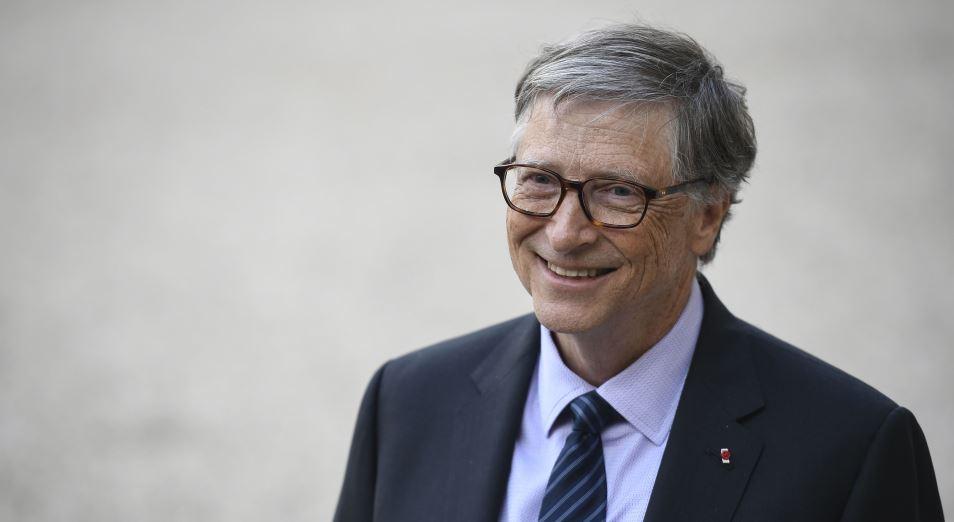 Билл Гейтс мог покинуть Microsoft из-за служебного романа. Что происходит с акциями компании