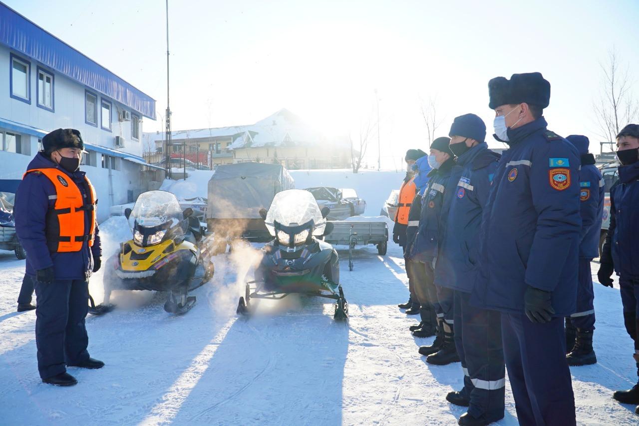 Спасатели столицы напомнили правила безопасности при нахождении на катках и горках