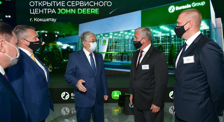 Тоқаев «Eurasia Group Kazakhstan» ЖШС-ның сервис орталығын аралап көрді
