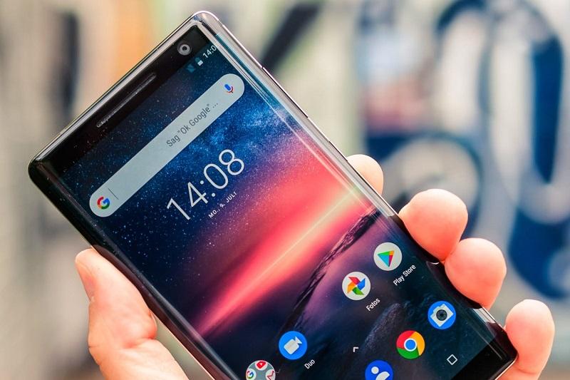 Когда госслужащим разрешат пользоваться смартфонами?