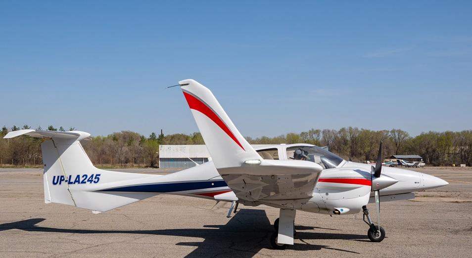 Первый взлет. Будущих летчиков учат летать на двухместном одномоторном самолете