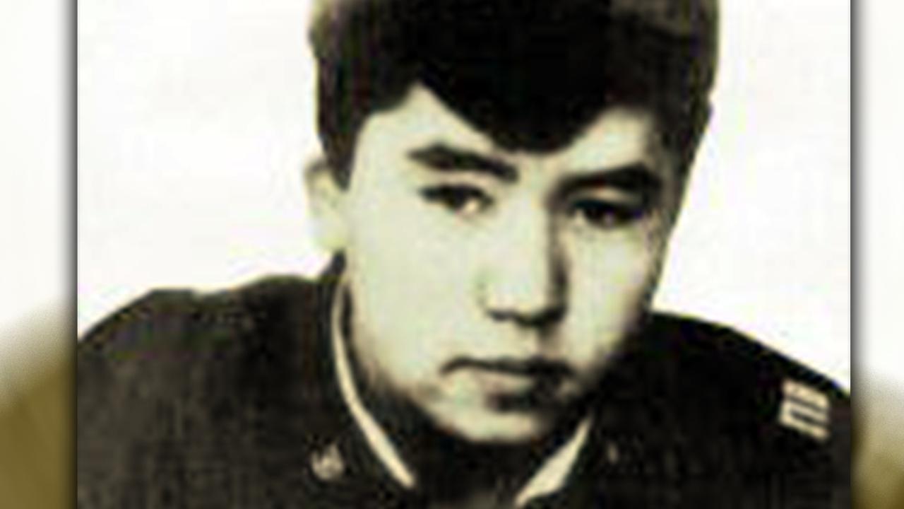Посмертно казахстанского пограничника наградил президент Таджикистана
