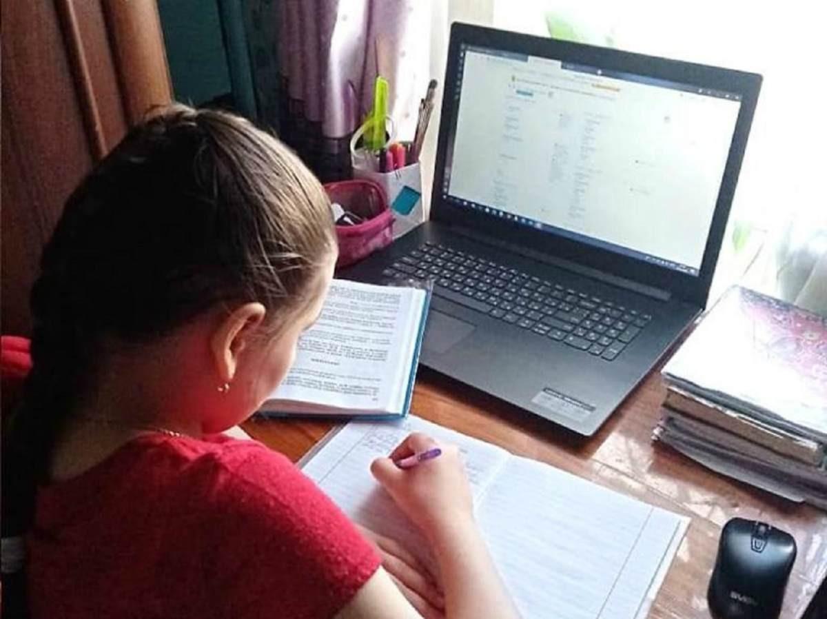 В Туркестанской области школьникам планируют предоставить ноутбуки