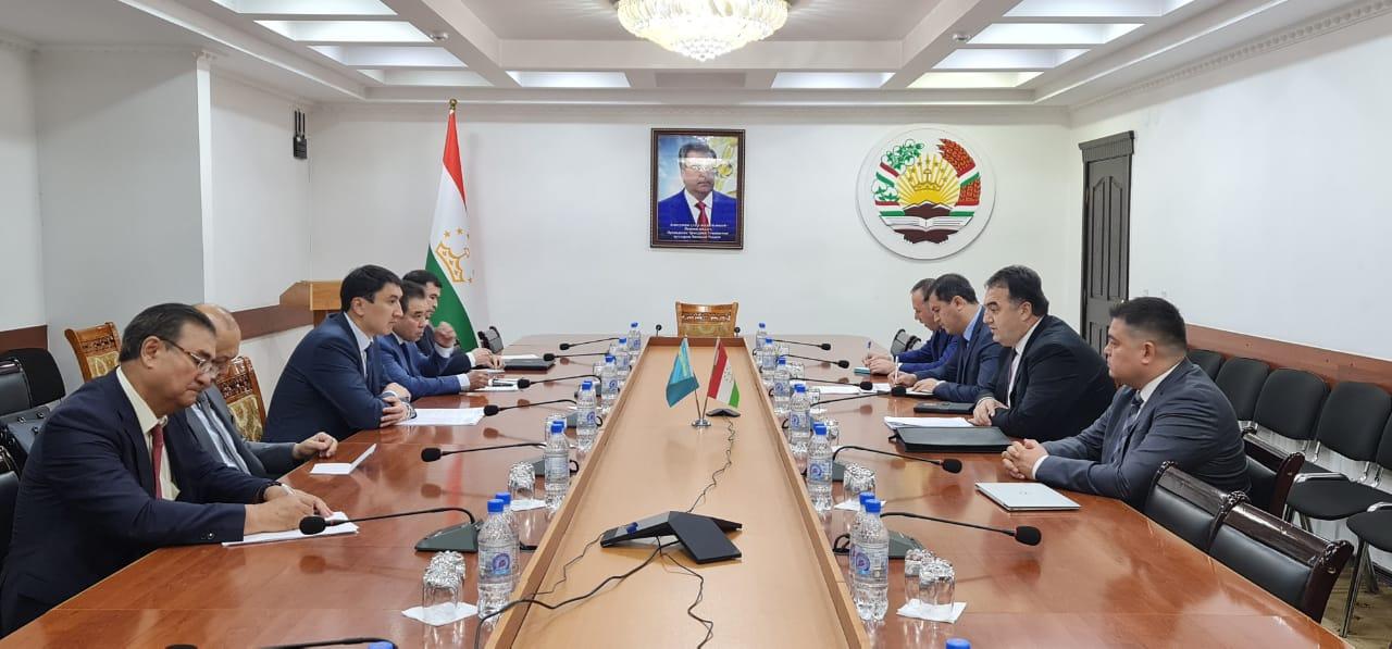 Таджикистан поможет Казахстану поливной водой