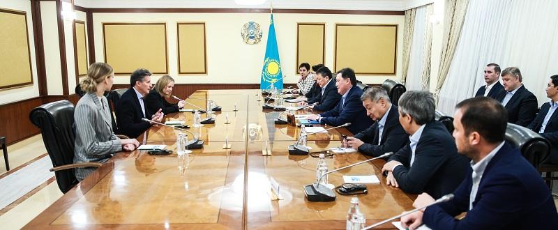 Аскар Мамин провел встречу с президентом Международной ассоциации легкоатлетических федераций