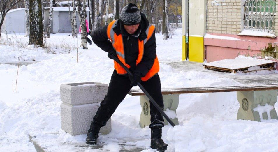 В Павлодаре предпринимателей штрафуют за неуборку снега