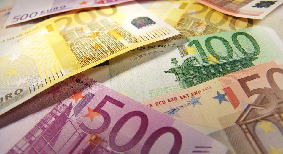 Что влияло на евро в течение года, и какой прогноз аналитики дают на 2019 год