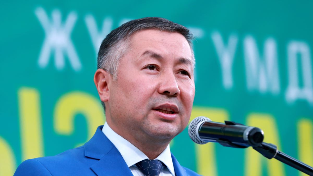 Спикер парламента Кыргызстана Исаев отказался от исполнения обязанностей президента