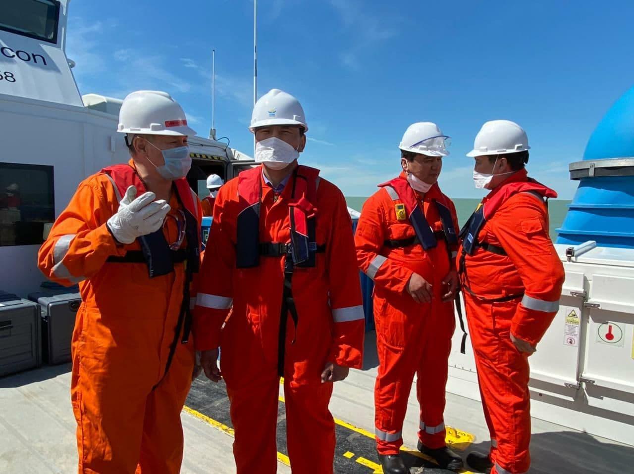 На Каспийском море идет подготовка ко дноуглубительным работам