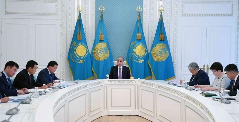 Токаев призвал Кабмин сократить в бюджете необоснованные имиджевые траты