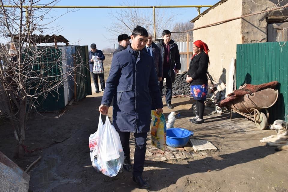 В Туркестанской области число малообеспеченных семей уменьшилось вчетверо