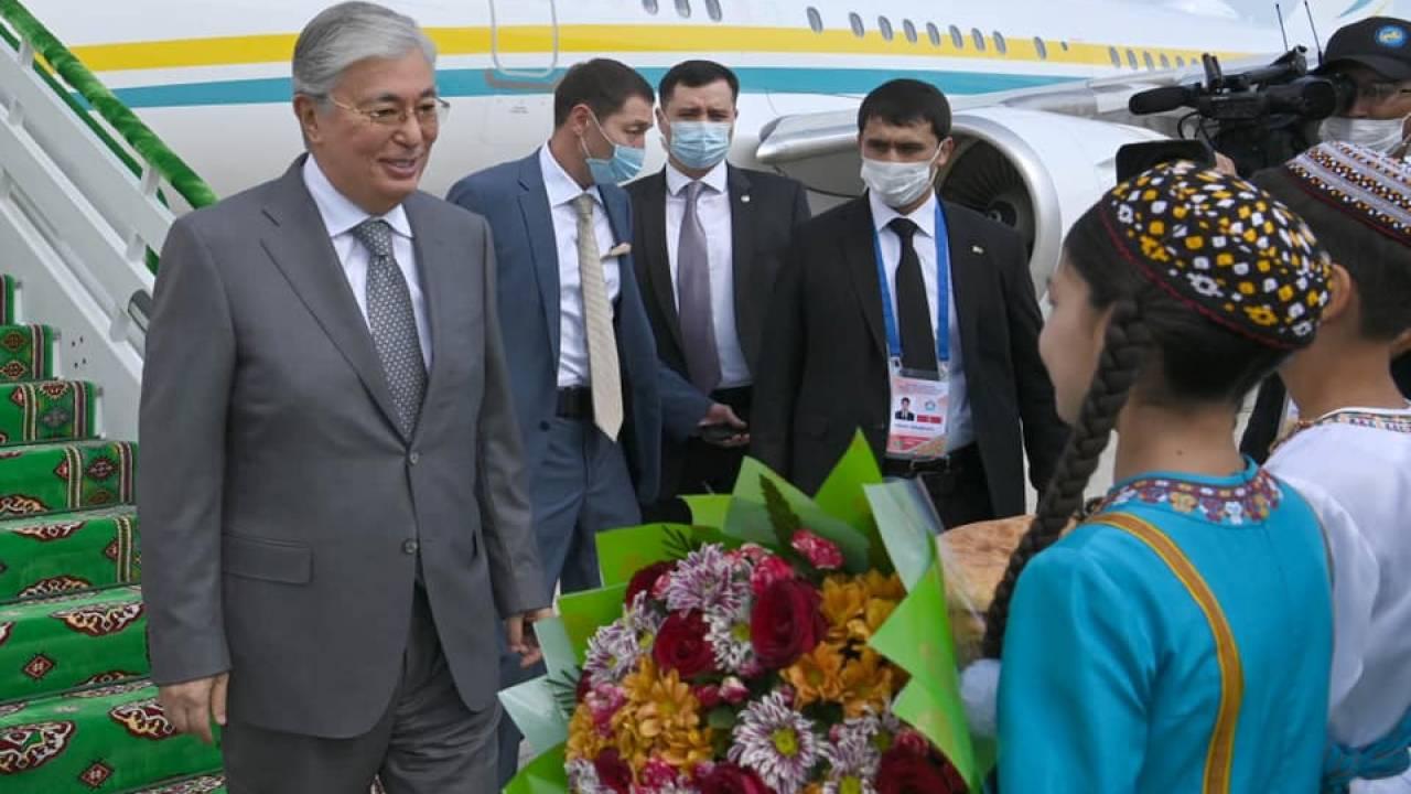 Касым-Жомарт Токаев приехал с рабочим визитом в Туркменистан