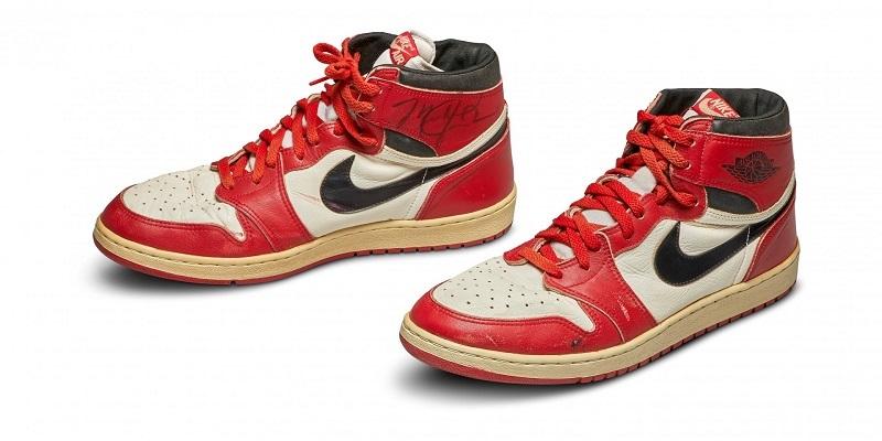 За $560 тысяч продали на аукционе кроссовки баскетболиста Майкла Джордана