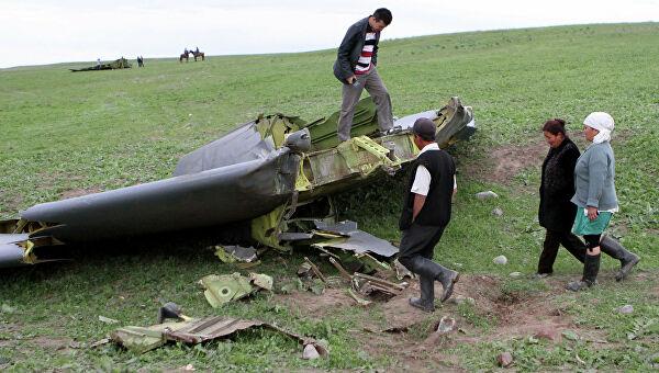 Самолет разбился над зданием в США. 4 человека погибли