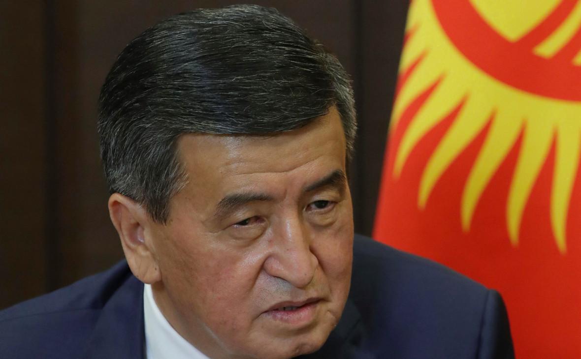 Жээнбеков обсудил вопрос импичмента со спикером парламента