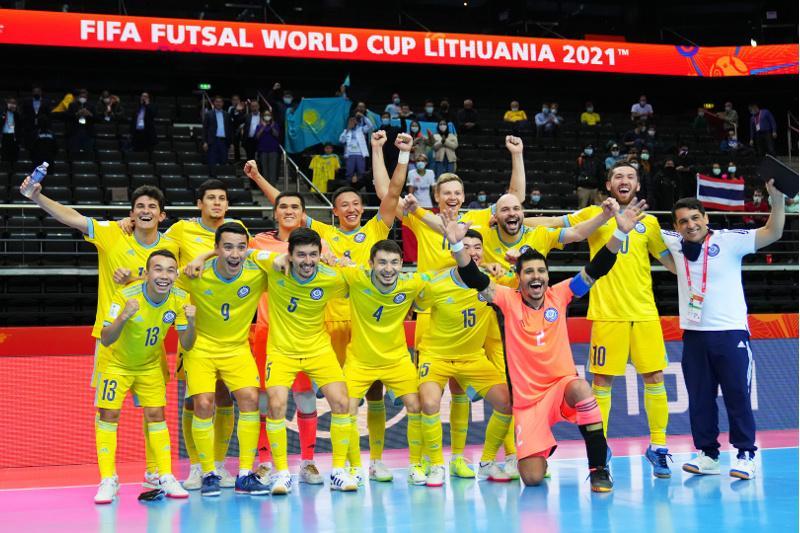 Президент РК поздравил сборную по футзалу с выходом в полуфинал ЧМ