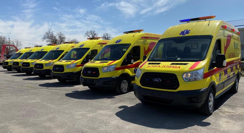 Тимур Кулибаев и Кайрат Боранбаев передали медучреждениям Алматы мобильные центры оказания высокоспециализированной скорой помощи